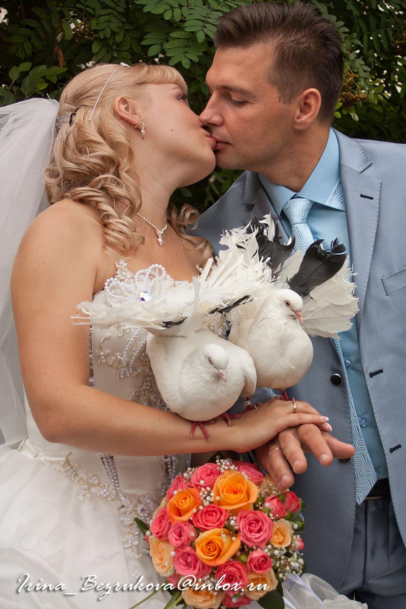 Жених и невеста. Постановка на Питерском мостике.